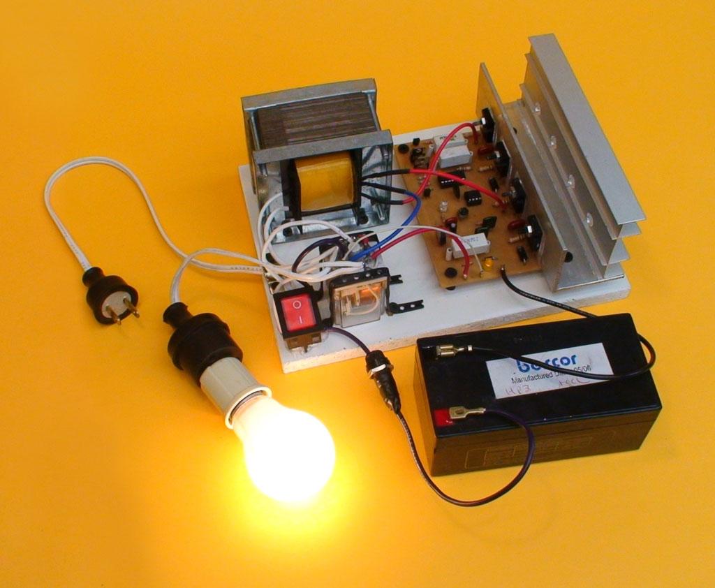 Inversor De Voltaje Dc Ac Y Cargador Automatico